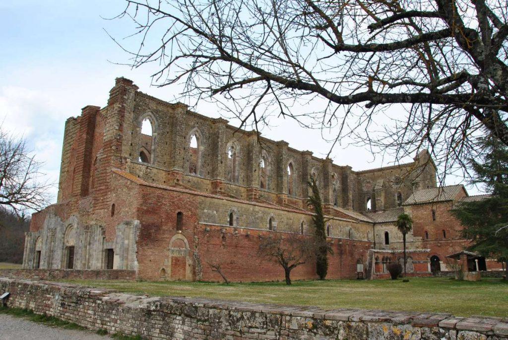 abbazia senza tetto